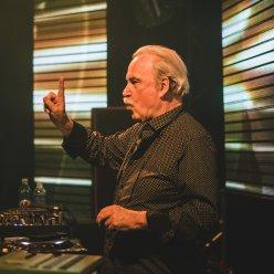 De frente com o mago dos synths Giorgio Moroder