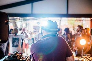 A última edição brasileira do Boiler Room x Skol Beats vai rolar em Curitiba