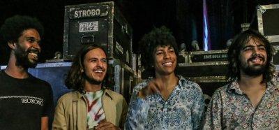Todos os caminhos levam Boogarins ao Grammy Latino